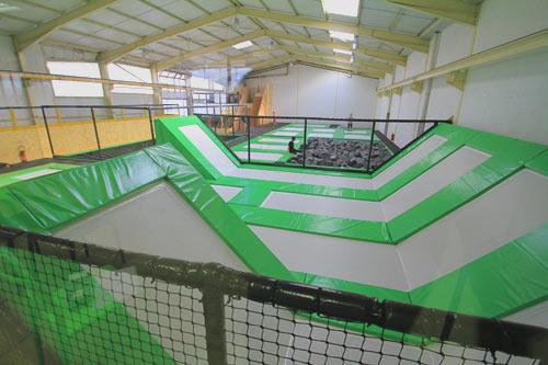 montage salle de trampoline phase 8